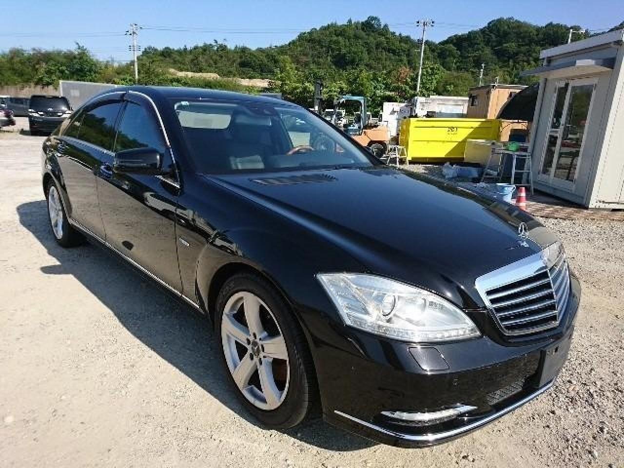 Mercedes-Benz C-Class, Carros, Bolama