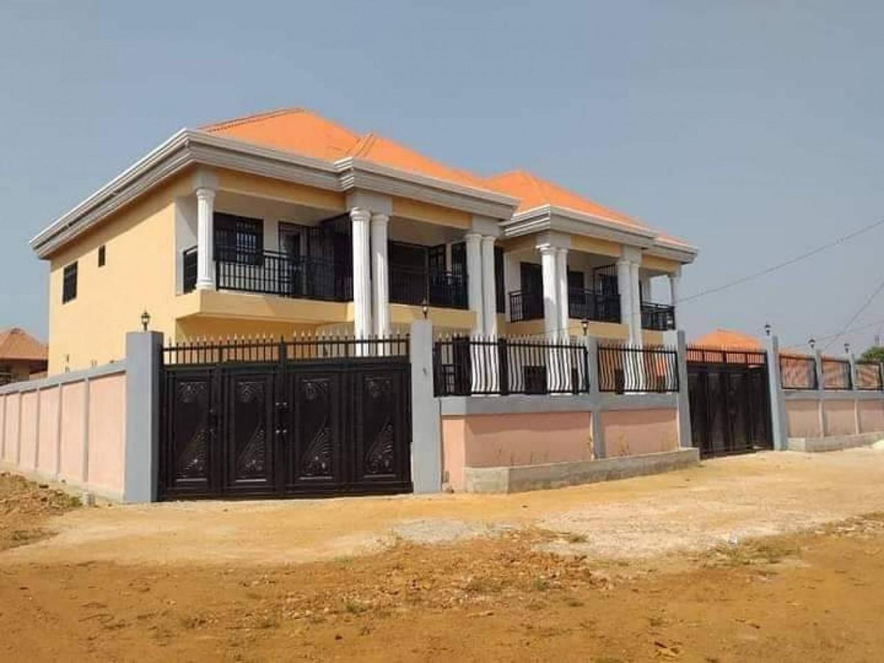 House in Oodi, Casas, Bissorã